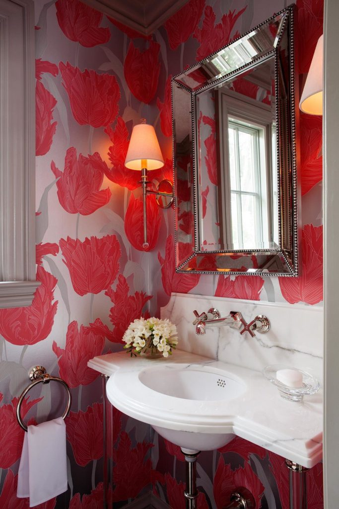 red tulip wallpaper bath