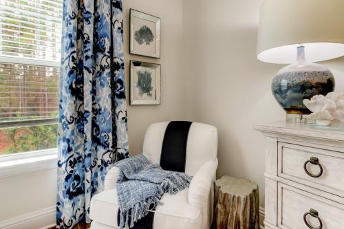 Barcley Butter white and blue chair